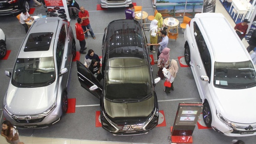 Harga Mobil Baru Dalam Bayang Bayang Dolar Yang Mendekati Rp15 000 Tirto Id