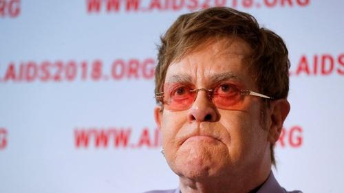 Paramount Minta Adegan Gay di Film Elton John 'Rocketman