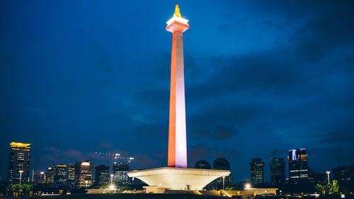 Keliling Monas Dengan Rental HIACE Jakarta
