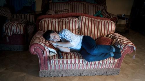 Amankah Tidur dengan Televisi Masih Menyala? - Tirto.ID