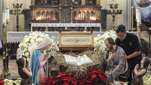 Cara Gereja Katedral Menyambut Misa Malam Natal 2018 Tirtoid