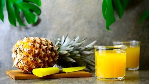 8 Makanan Penghasil Kolagen dalam Tubuh: Kaldu Tulang & Buah Tropis - Tirto.ID