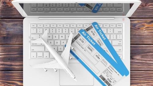 Promo Traveloka dan Tiket com Sambut Hari Pelanggan Nasional