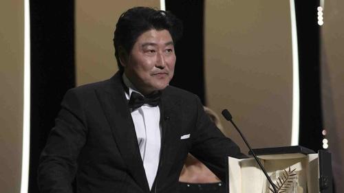Song Kang Ho Parasite Aktor Asia Pertama Dapat Award Di Locarno Tirto Id