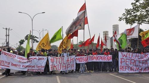 Poster Poster Lucu Di Demo Mahasiswa 2019 Jogja Hingga Jakarta