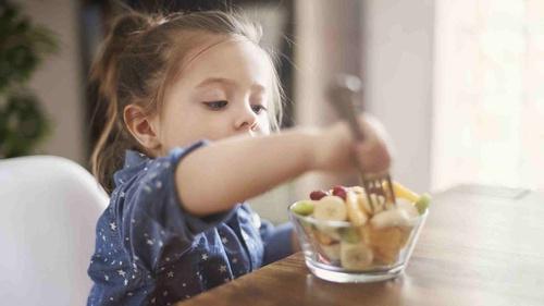 Tips 'Ngemil' Sehat Selama Kerja dan Belajar dari Rumah - Tirto.ID