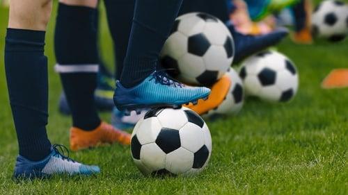Jadwal Bola Malam Ini Liga Inggris Italia Spanyol Live Tv 1 Des Tirto Id