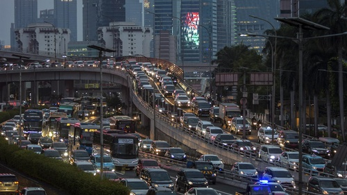 kemacetan menjelang psbb total di jakarta antarafoto ratio