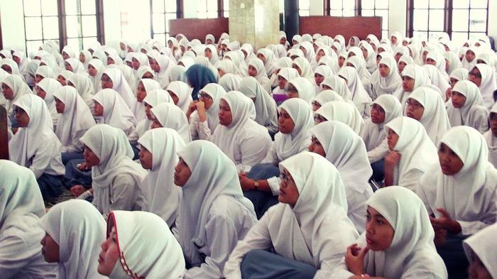 Di Balik Pengaduan Aturan Wajib Jilbab SMPN 8 Yogya ke Ombudsman