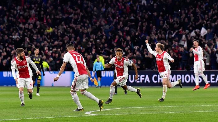 David Neres, tengah, dari Ajax, merayakan gol pembuka timnya di menit awal babak kedua perempat final Liga Champions, leg pertama, pertandingan sepak bola antara Ajax dan Juventus di stadion Johan Cruyff ArenA di Amsterdam, Belanda, Rabu, 10 April 2019. AP Photo / Martin Meissner