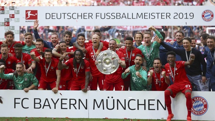 Bayern Munchen merayakan kemenangan Bundesliga ke 7 berturut-turut. AP / Matthias Schrader