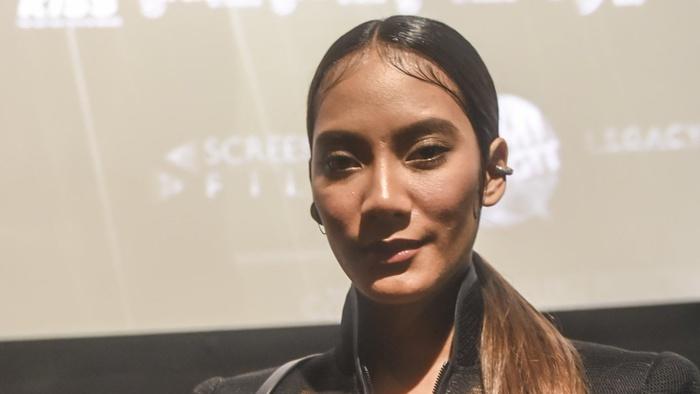 Aktris Tara Basro berpose saat menghadiri acara peluncuran film Gundala di Jakarta, Rabu (28/8/2019). Film yang diangkat dari komik karya Harya Suraminata (Hasmi) itu akan tayang secara serentak di bioskop Indonesia pada 29 Agustus 2019. ANTARA FOTO/Muhammad Adimaja/foc.