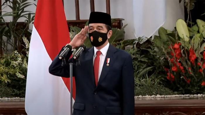 Salah Kaprah Jokowi Mengecam Macron demi Isu Populis?
