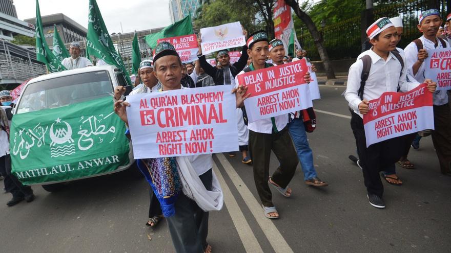 Menggalang Dukungan lewat Aksi Long March