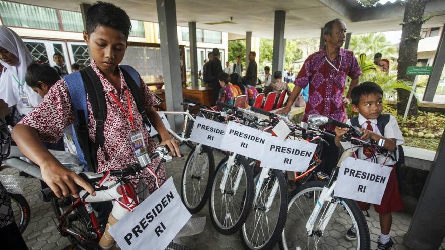 Beda Sepeda Jokowi dan Sukarno