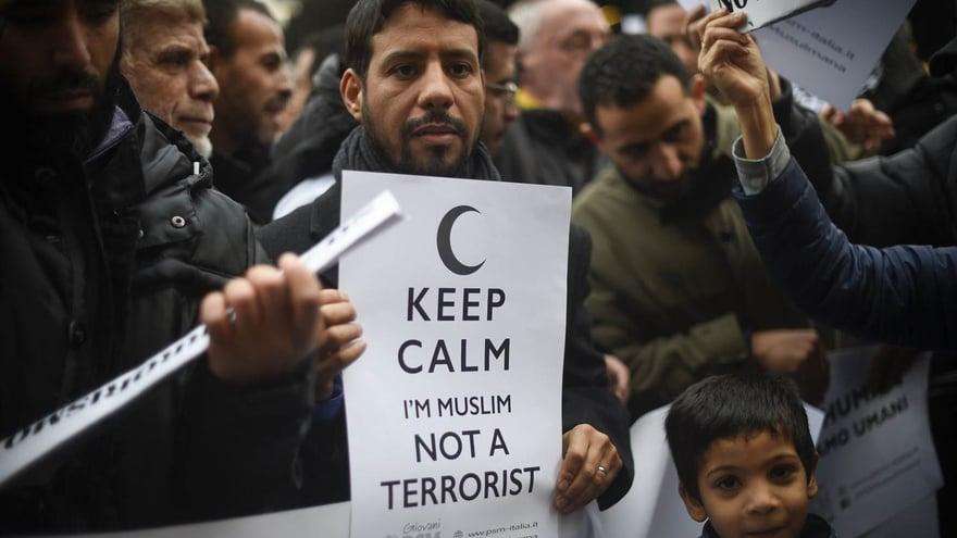 Menegaskan Beda Islam dan Teroris