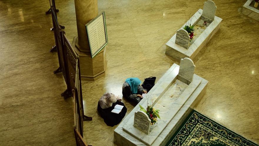 Mencari Berkah dengan Berziarah ke Makam Habib