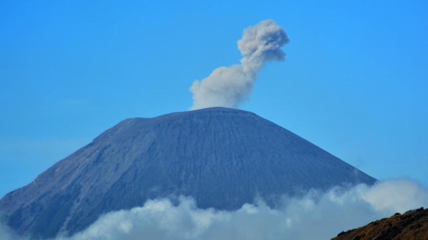 Gunung Semeru Meletus Dua Kali Hari Ini 17 Januari 2020 Tirto Id