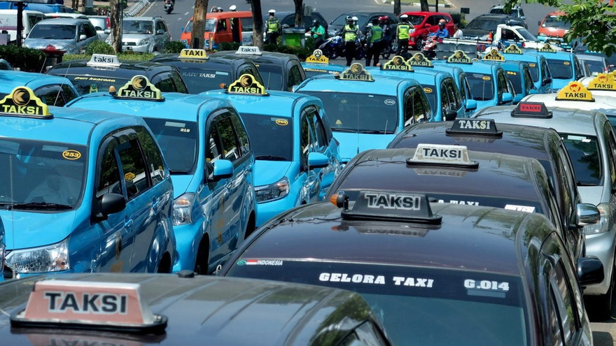 Berakhirnya Masa Bulan Madu Para Driver Taksi Online
