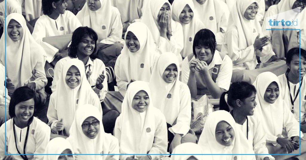 Hasil gambar untuk anak sma hijab syari